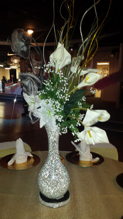 We can customize your centerpiece