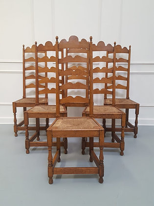 Set of Six Arts and Crafts Oak Dining Chairs C1910