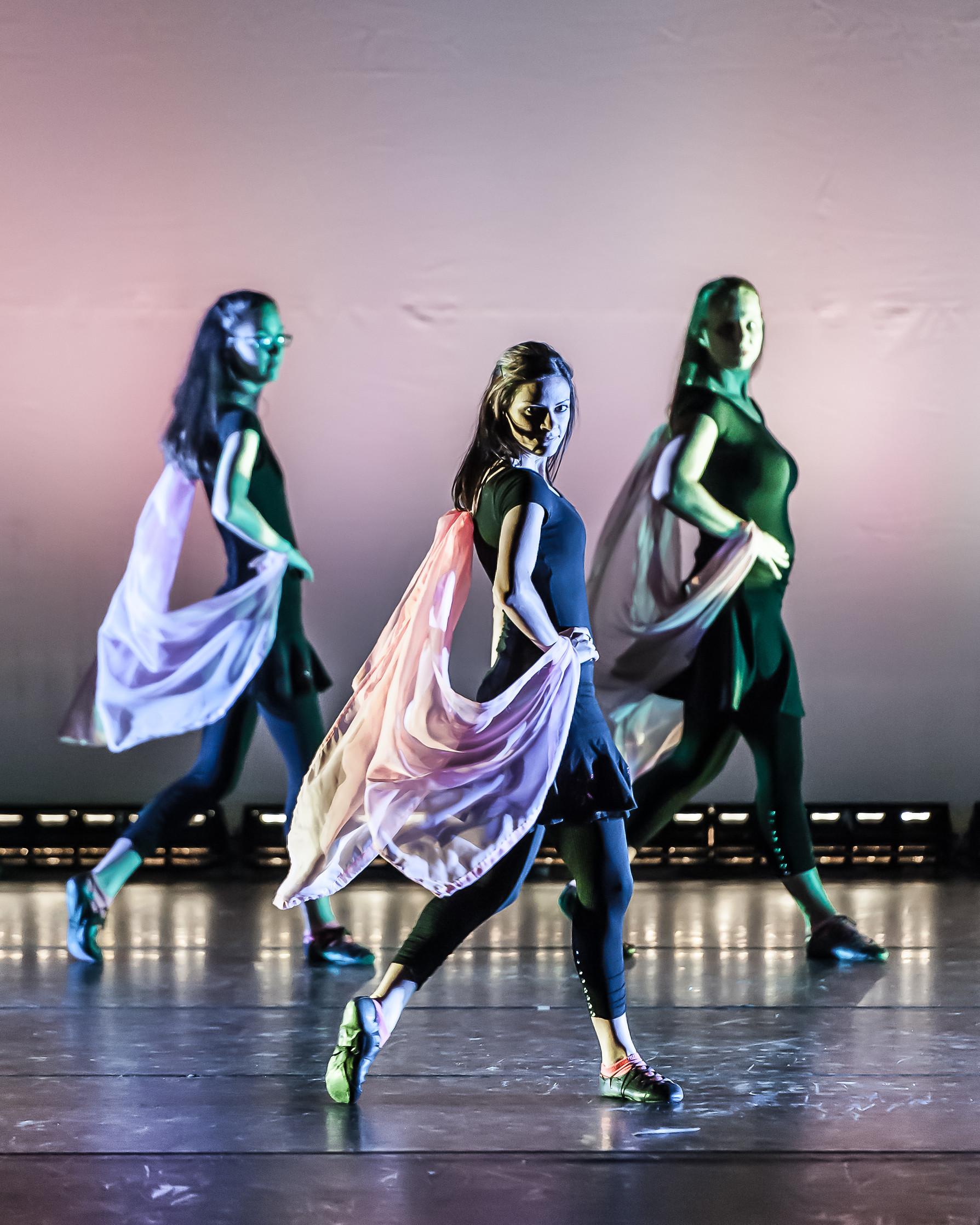 100214SS7_4686_639_Bailando DanceJPG