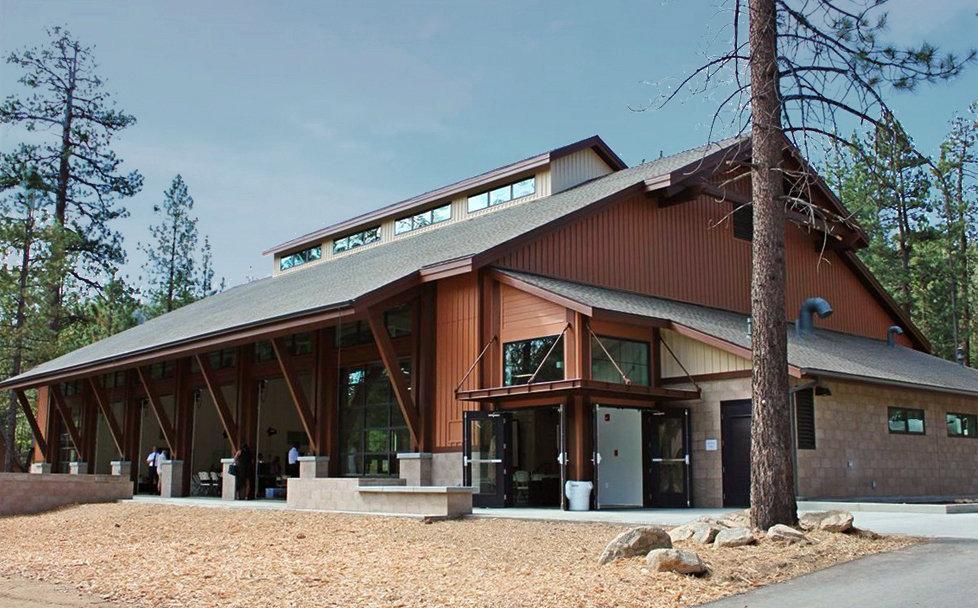 Fletemeyer-Lee-Pine-Summit-exterior.jpg