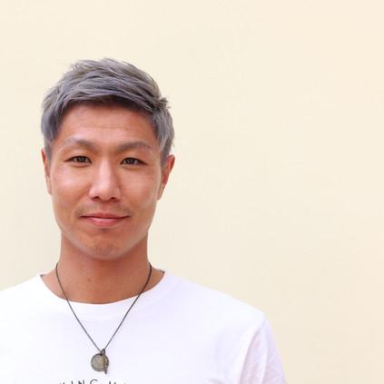 คุณยะมะซะกิ เคนตะ (Yamazaki Kenta) นักกีฬาฟุตบอล ได้ให้เกียรติมาใช้บริการที่ร้านของเราครับ(^^)