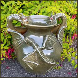 3 Dragon Vase