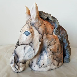 Horsehair raku horse