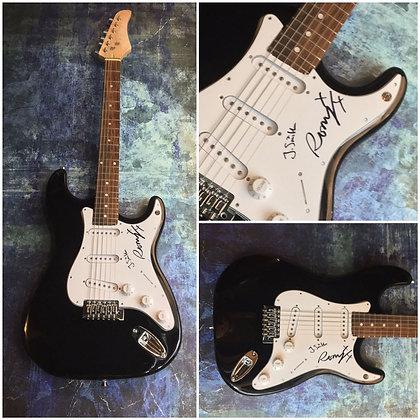 GFA Romy Croft & Jamie Smith * THE XX * Band Signed Electric Guitar COA