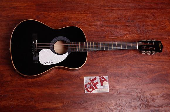 **GFA Elisabeth Corrin Maurus *LISSIE* Signed Acoustic Guitar COA**