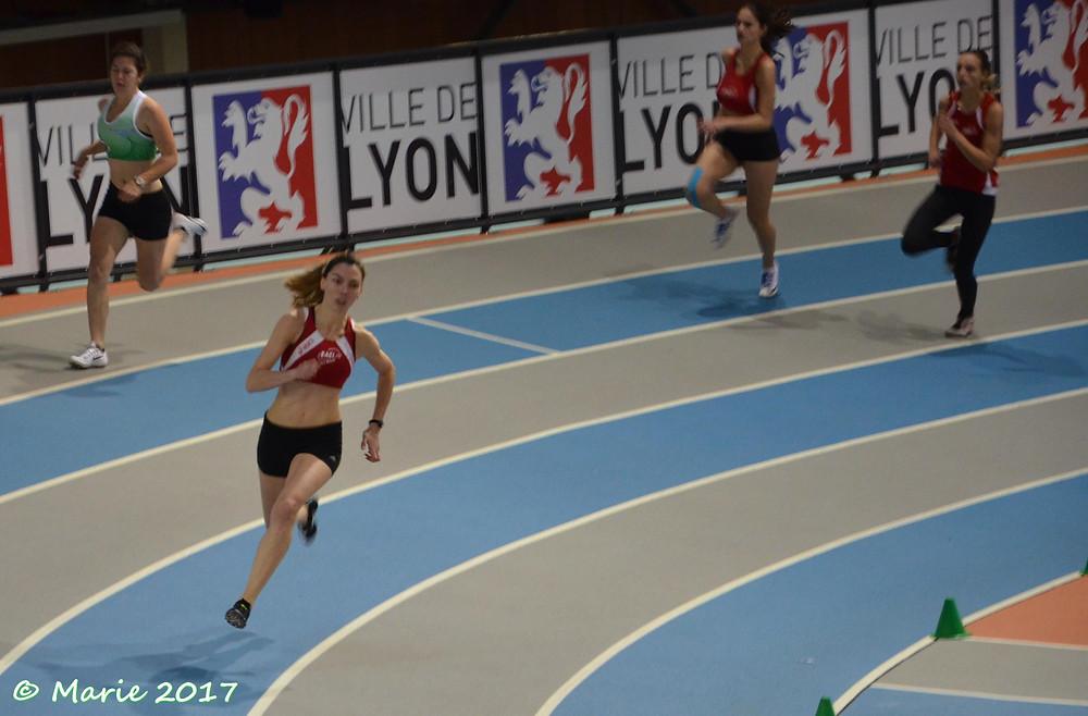 Diane en route vers un nouveau record du 200m en salle à La Duchère !