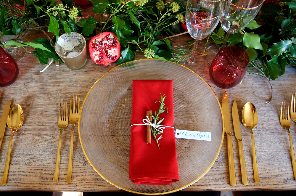 christmas table ware, chirtsmas event planning