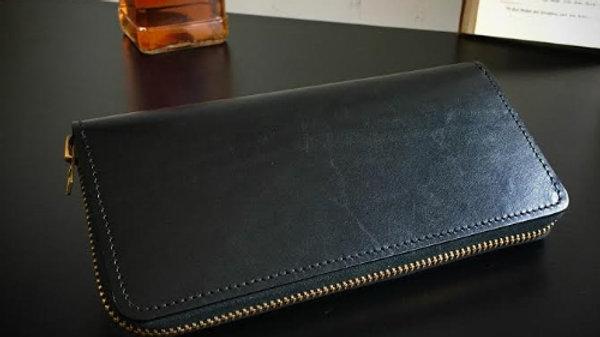 ルガトショルダーを使用した本革製ラウンド長財布