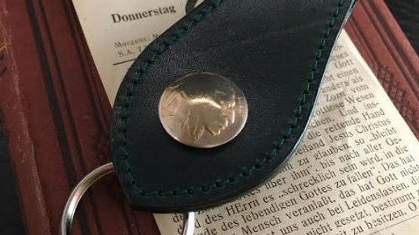 ルガトショルダーを使用したオールドコイン付本革製レザーキーホルダー