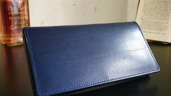 ルガトショルダーを使用した薄型の本革製長財布