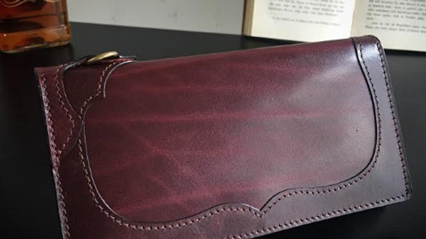 ルガトショルダーを使用した薄型本革製レザー長財布