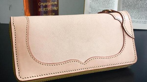 国産牛ヌメ革を使用した本革製レザーラウンド長財布