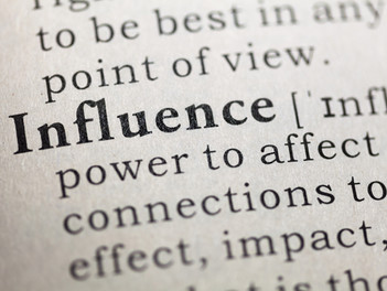 4 Books to Maximize Your Influence