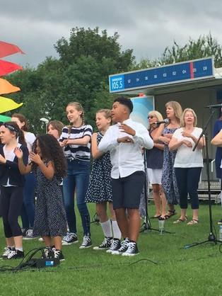 RONNI Singing Groups