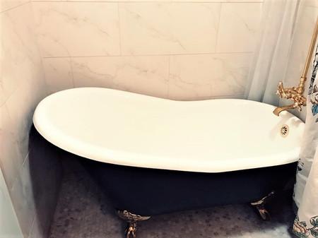 tub .jpg