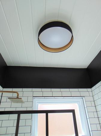 w bathroom 3.jpg