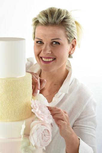 Marky's Cakery aargau hochzeitstorte torte zuckerblumen tortendesign atelier