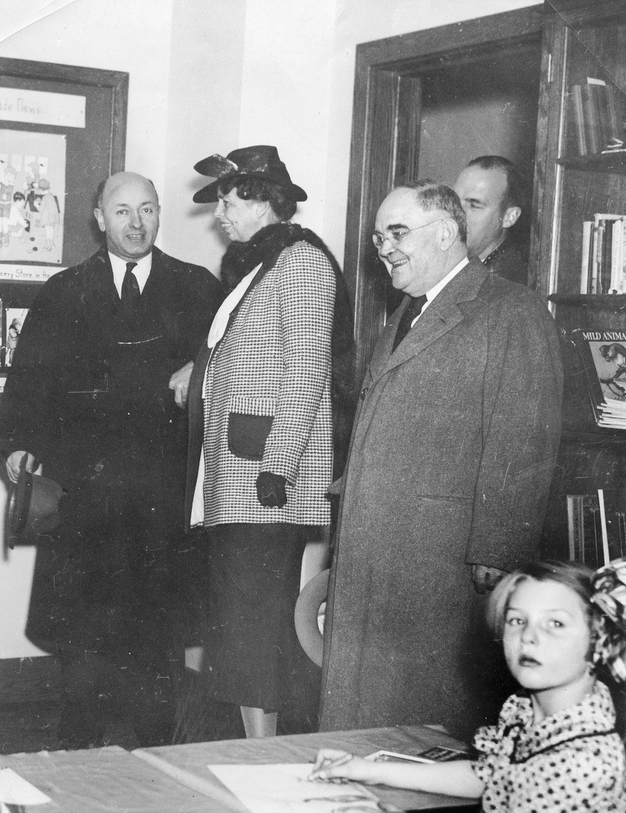 First Lady Eleanor Roosevelt visits Greenbelt, 1937. Photo: Library of Congress.