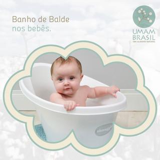 Banho de balde nos bebês
