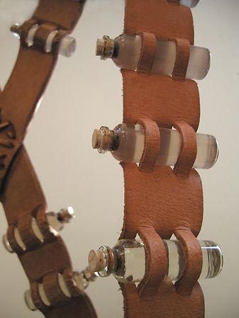 Flying Belt, Detail