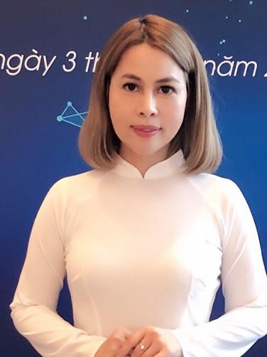 Bà Phạm Thị Tú Oanh