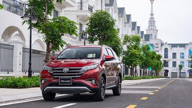 Toyota Rush 2021 giá mới và ưu đãi cho khách hàng xuống tiền chốt xe trong tháng