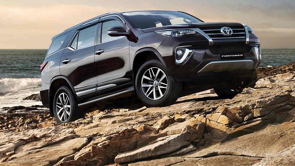 Toyota-fortuner-2021-2.jpg
