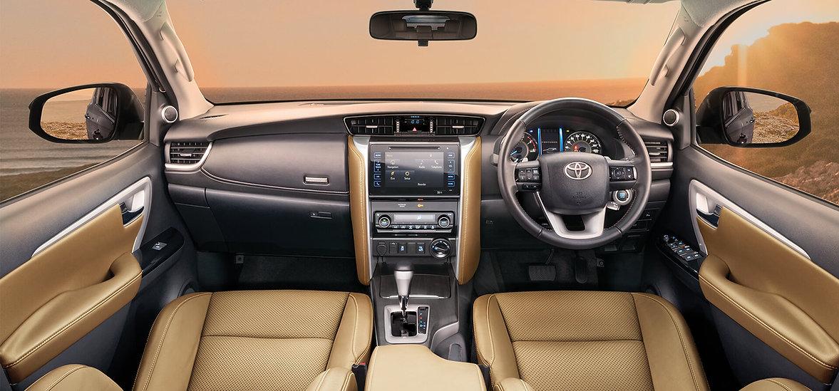 toyota-fortuner-interior-dashboard-26d9.