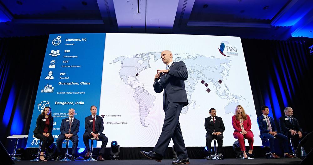 Giám đốc BNI toàn cầu chia sẻ tại hội nghị BNI