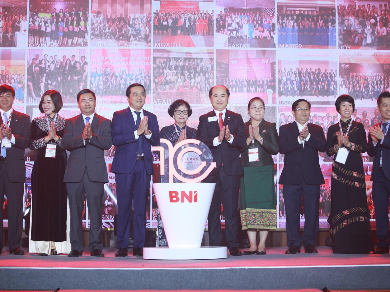 Tự hào khi thay đổi cách kinh doanh của người Việt