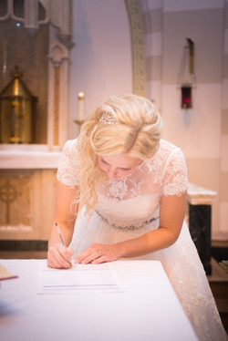 Erin_Paul_Wedding-erinsigning