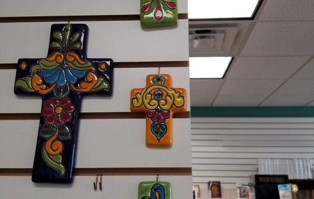 Talavera ceramic crosses (Mexico)