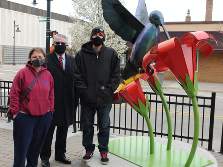 New Outdoor Sculpture Installed on Phoenix St.