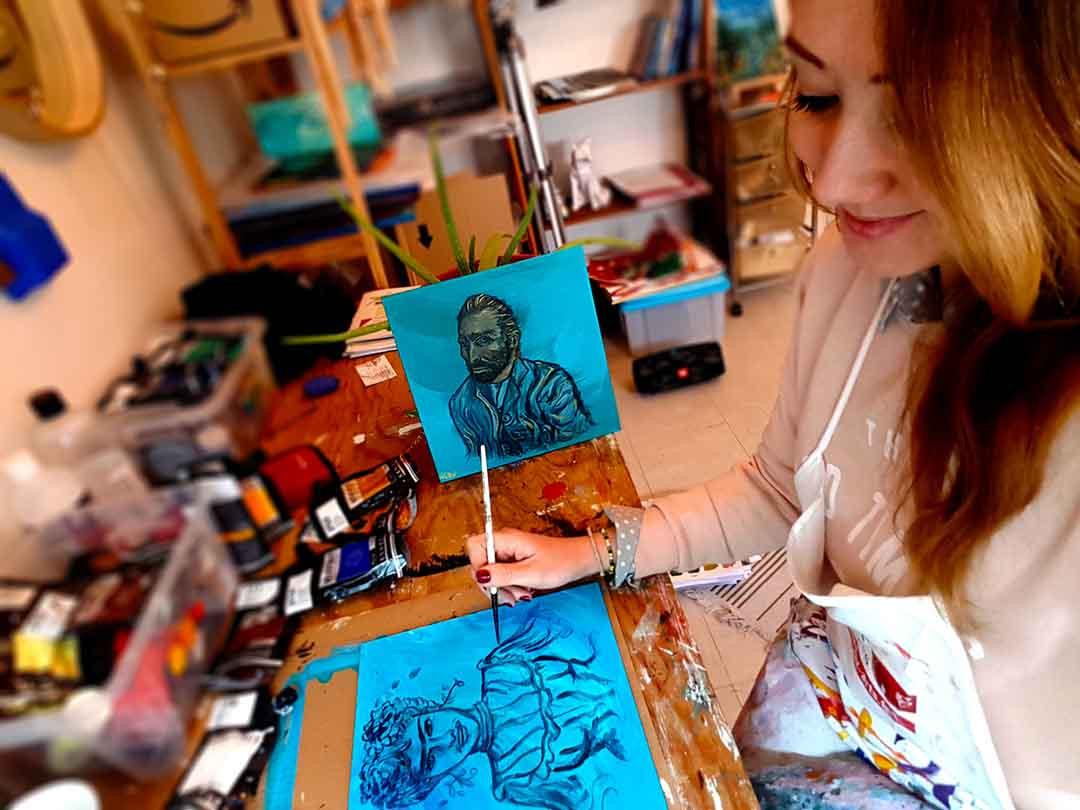 Van Gogh veille sur sa Frida en cours de réalisation