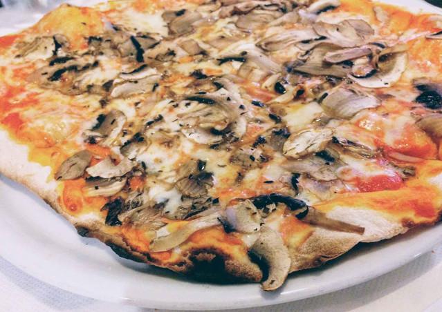 Pizza at Lollo's, Antiparos