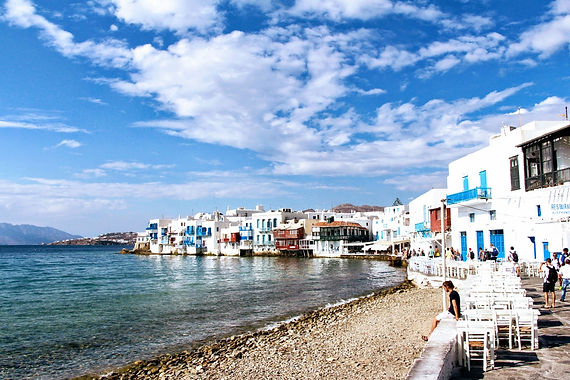 Chef-catered luxury villas and concierge services in Mykonos