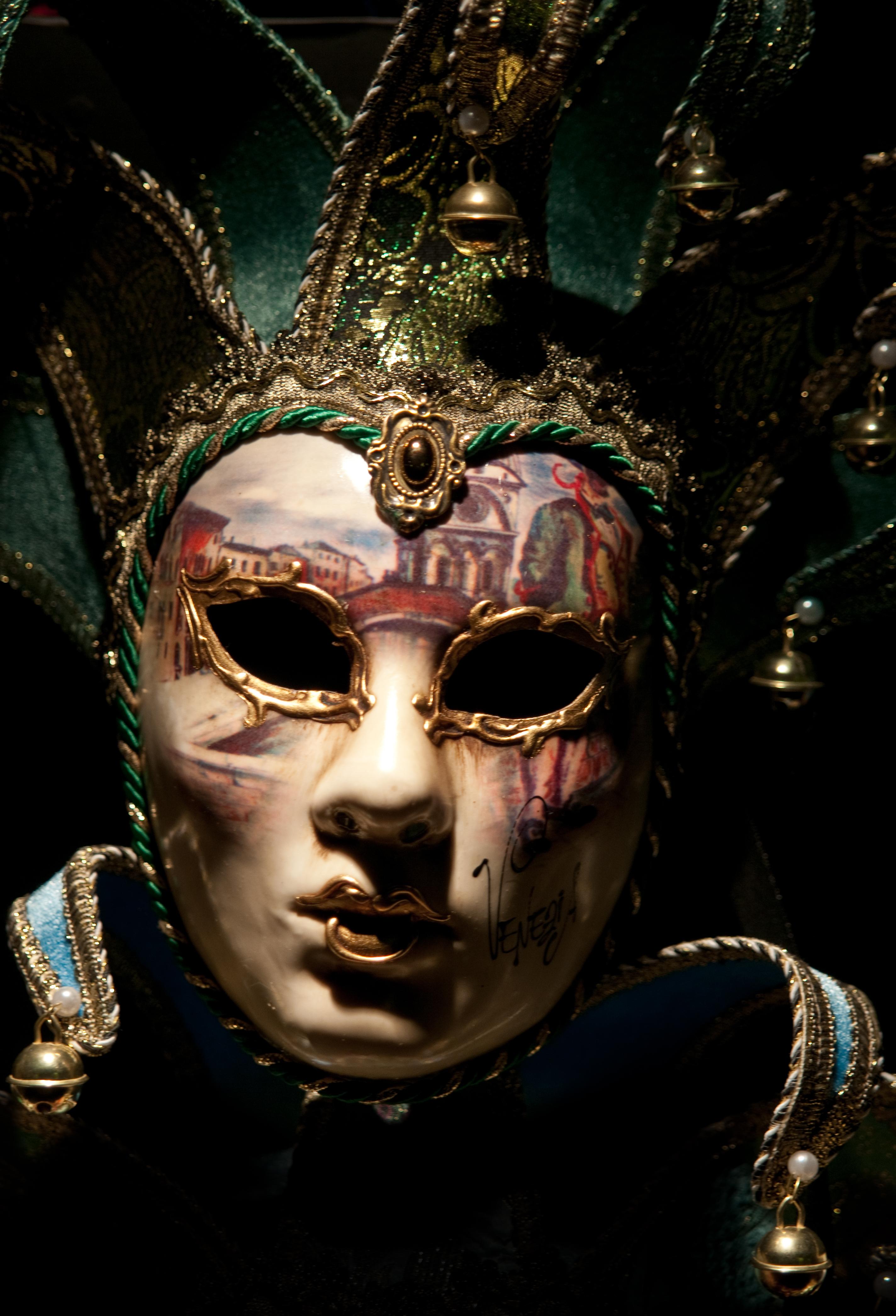 Maschera nella notte_5495425152_o