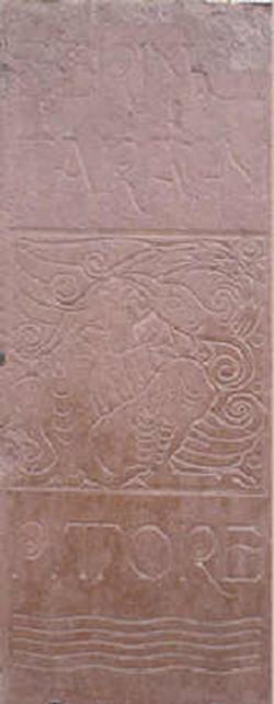 La stele di casa Taragni