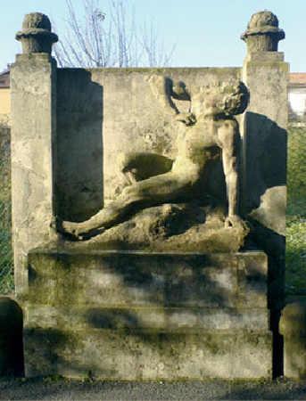 La statua dello scultore Siccardi