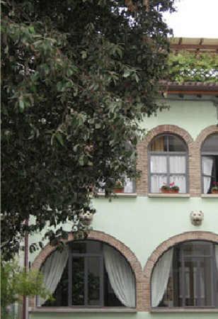 Particolare casa Arzuffi ex Zanetti