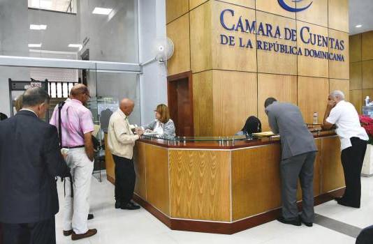 Danilo Medina declara bienes por más de 24 millones de pesos