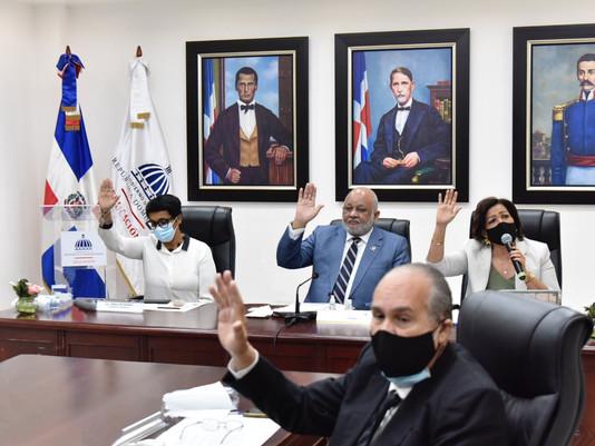 Cancela las Pruebas Nacionales 2020-21 y aprueba Plan Estratégico Institucional del MINERD