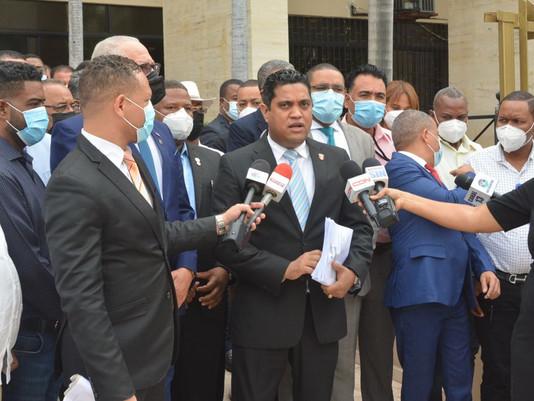 Fedomu, Fedodim y alcaldes emplazan al CNSS y TSS a recibir pago de seguridad social de  empleados