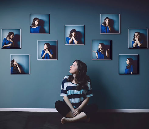 People_Different_emotions_in_the_photo_2