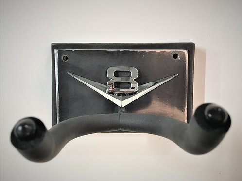 V 8 wall mounted guitar hook