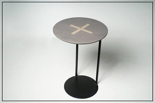 שולחן קפה אישי עגול בטון איקס