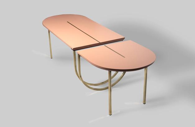 שולחן מחולק ורוד