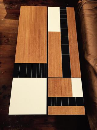 שולחן סלון מלבני בשילוב צורות גאומטריות