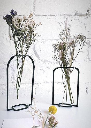 AIRY  VASE  &  WILD   PLANTS