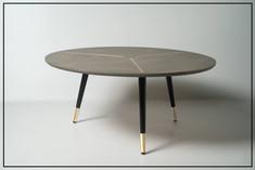 שולחן עגול רגליים עם זהב